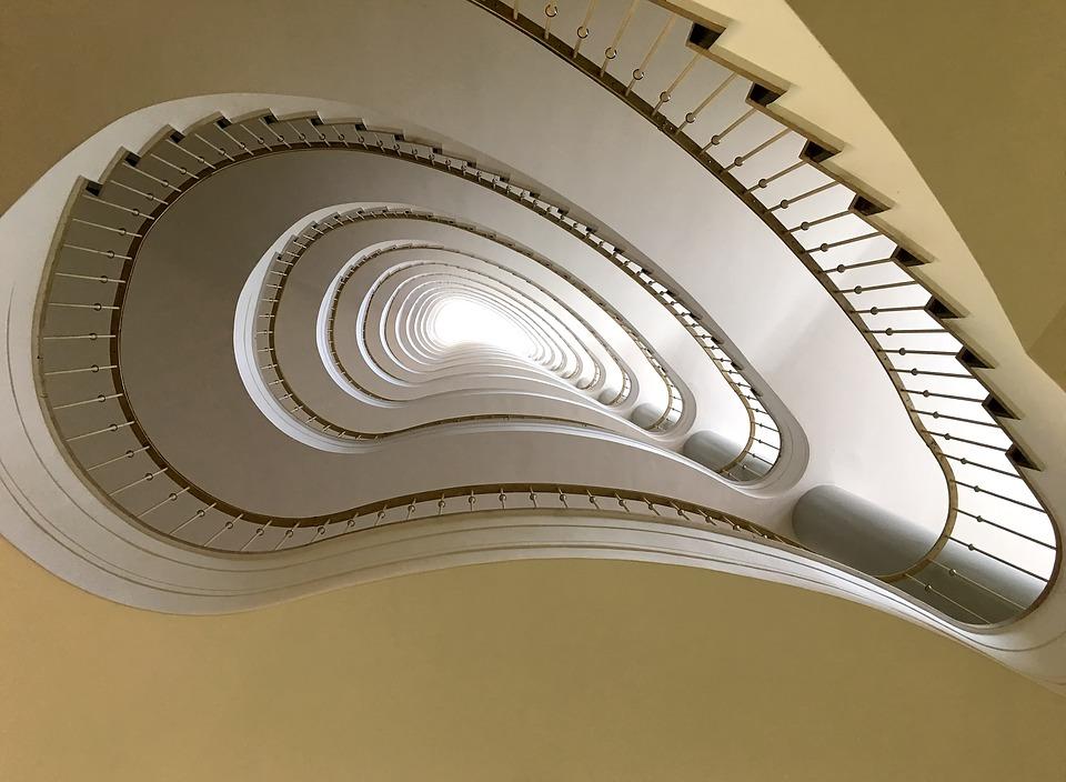חדר מדרגות, מדרגות סיבוביות